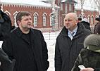 Валерий Никитич показывает  своё хозяйство губернатору Н. Белых и делится своими планами на будущее.