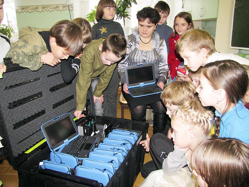 Новое оборудование школам